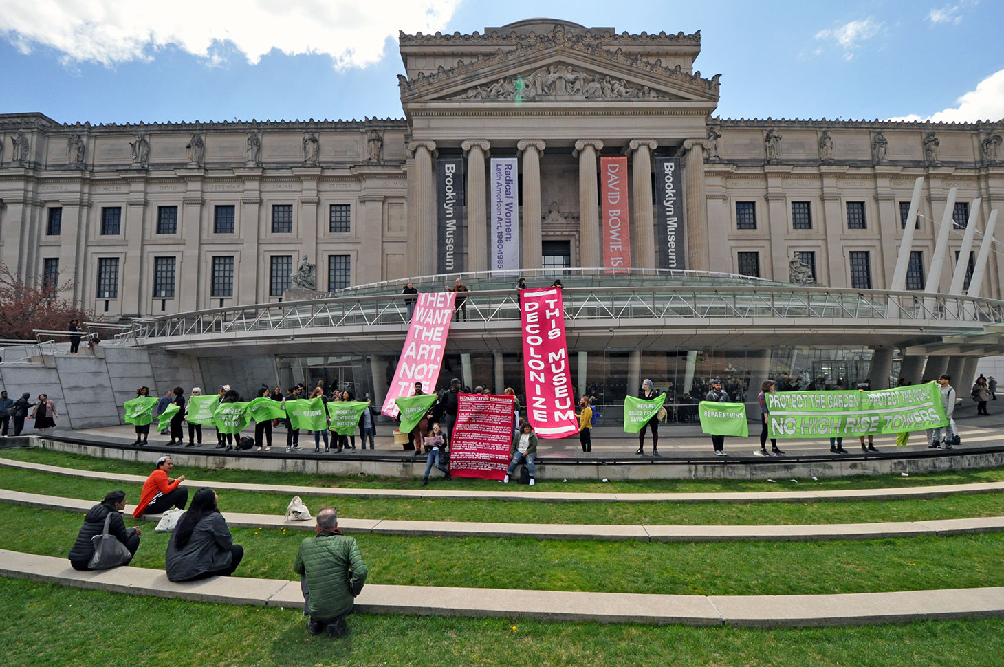 Protesters in front of the Brooklyn Museum in 2018. (photo by Hrag Vartanian)