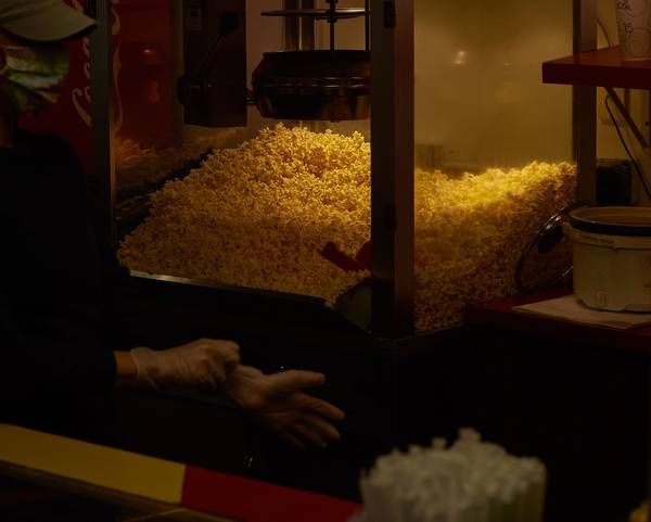 Movie theater popcorn sales have tanked, prompting American popcorn farmers to find new markets | Washington Post