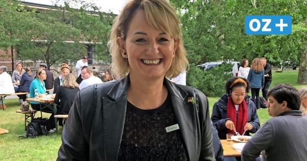 Stralsund: Diese Frau erklärt 20 Brasilianern das Leben in Deutschland