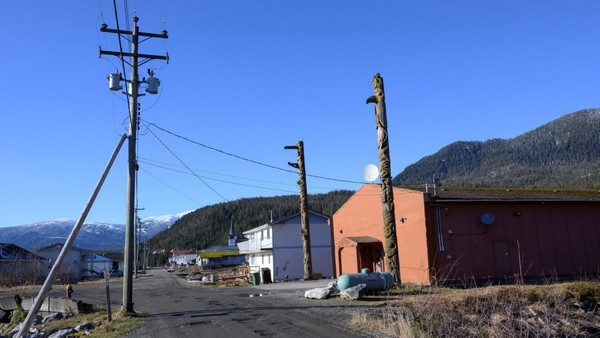 Sheltering in Place and Offline: The impact of COVID-19 and broadband access on First Nations communities