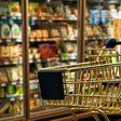 Einkauf und Reisen: Viele Verbraucher würden ihr Verhalten für den Klimaschutz ändern