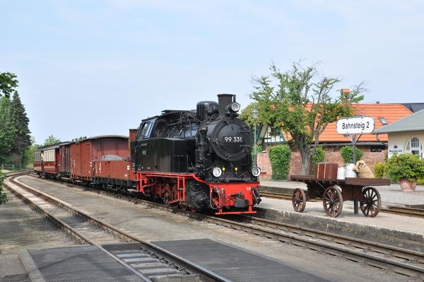 Der Molli-Güterzug fährt am Sonnabend (Foto: Meckl. Bäderbahn Molli GmbH)