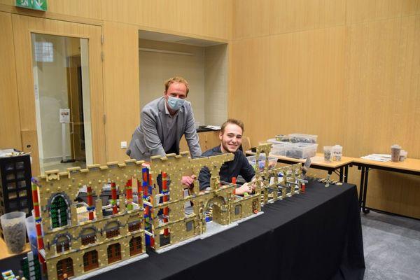Les Halles aux Draps d'Ypres, reconstruites en Lego. - Lego master bouwt Ieperse Lakenhallen na