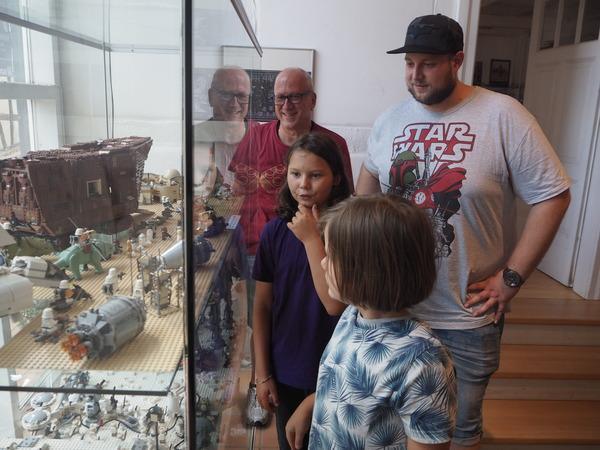 Das Stadtmuseum Burgdorf präsentiert Raumschiffe aus Lego. (Foto: Martin Lauber)
