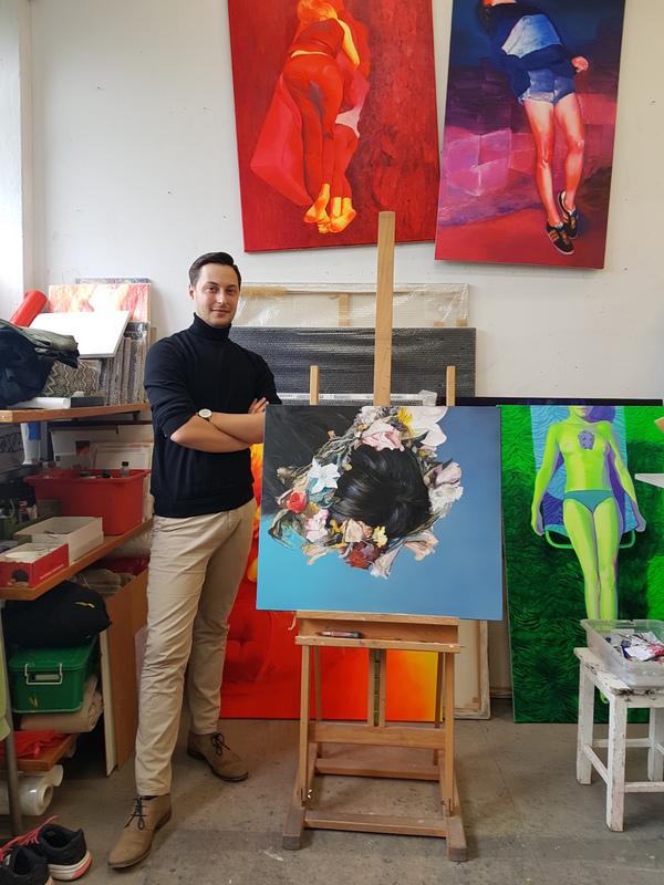 Łukasz Wiącek in the studio of Emilia Dragosz