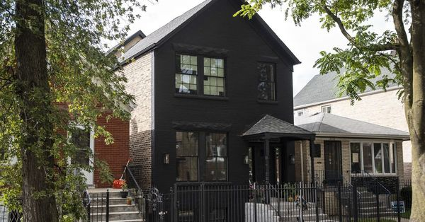 A backyard putting green in Bridgeport? 'Windy City Rehab' home met with mixed emotions in working class neighborhood