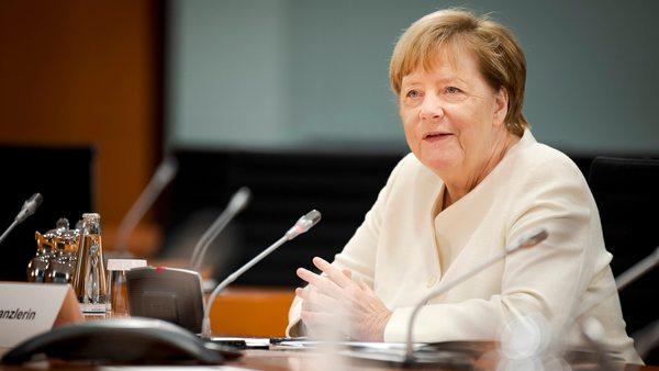 """Kanzlerin Merkel: """"Finde es schön, dass eine Ostdeutsche Kanzlerin werden konnte"""""""