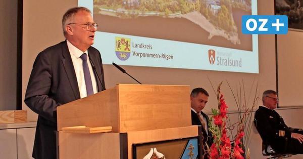 30 Jahre Wiedervereinigung: Festredner in Parow prägte ein Detail der Einheit