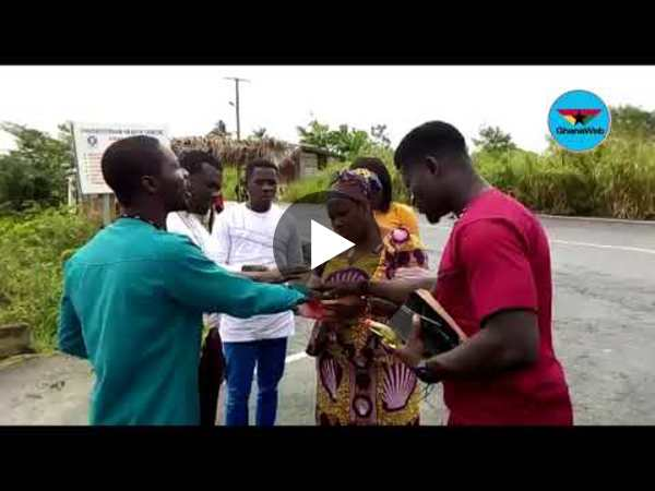 Pastors spotted praying on Accra Kumasi highway to avert accidents