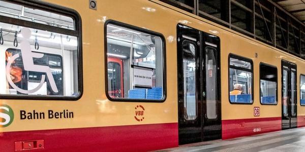 Kabelbrand bremst die Ringbahn - Staatsschutz ermittelt