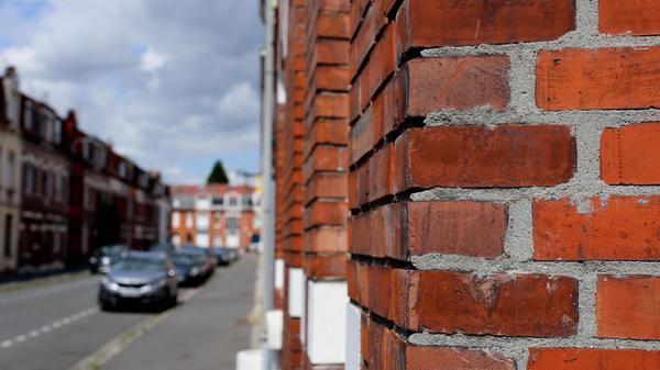 Pourquoi autant de briques rouges dans le Nord ? - Waarom is er zoveel rode baksteen in onze grensregio?