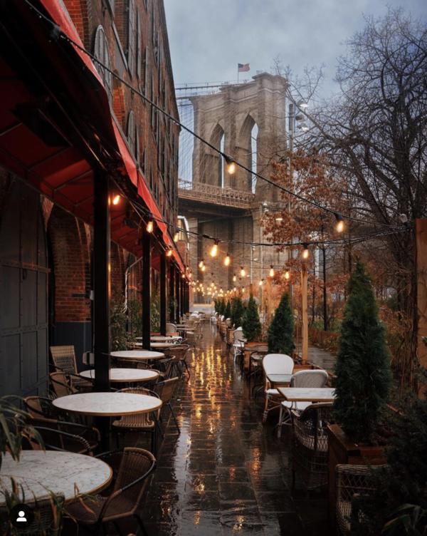 Tolle Bilder von New York im Regen gibt's auf Dylan Waalkers Instagram Account