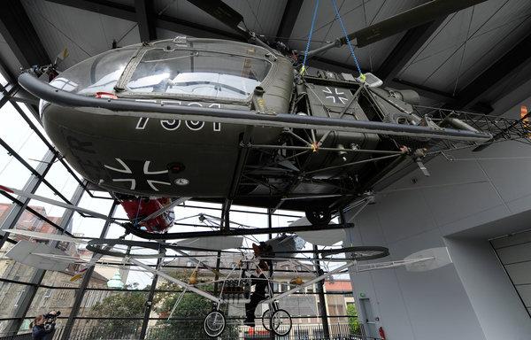 Ein Blick ins Bückeburger Hubschraubermuseum (Foto: Holger Hollemann, dpa)