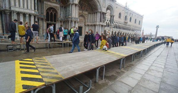 """Venise échappe l'""""acqua alta"""" grâce à l'entrée en action de ses digues"""