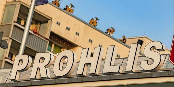 Hier singt Prohlis: Dresdner Musiker nehmen mit Bewohnern des Viertels Hymne auf
