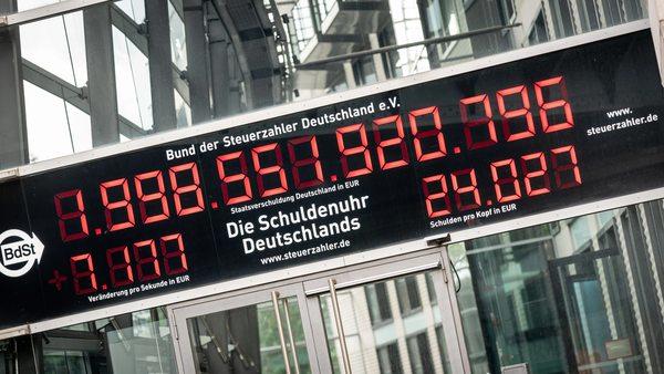 Schulden: Mehr als 10.000 Euro pro Sekunde - Schuldenuhr tickt so schnell wie nie