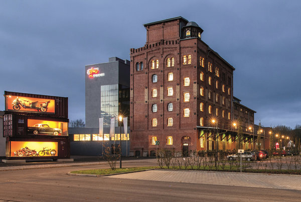 Der historische Kornspeicher aus dem Jahr 1899 heißt seit 2014 PS-Speicher. (Foto: Kulturstiftung Kornhaus)