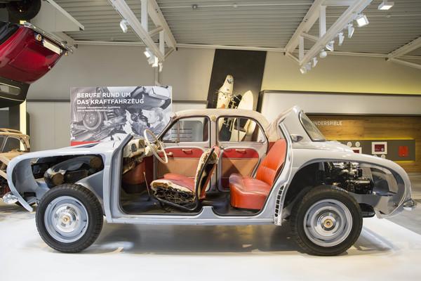 Ein Renault Dauphine aus den Fünfzigerjahren, hier im Schnitt. (Foto: Irving Villegas)