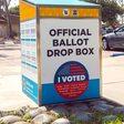 Republikaner stellen in Kalifornien eigene Wahlurnen auf - was soll das?