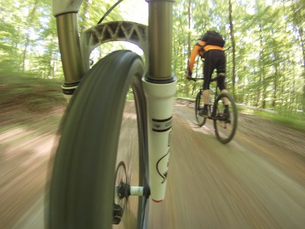 Das Profil der Strecke ist zwar ab und an wellig, aber man muss kein Sportler sein, um den Kreisel zu befahren. (Foto: Jens Rathmann)