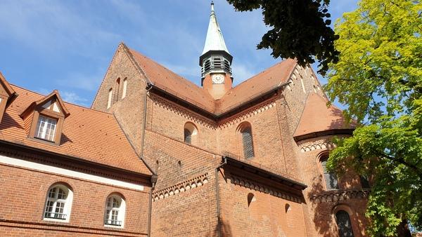 Die Klosterkirche St. Marien wurde ist eines der bedeutendsten Zeugnisse der altmärkischen Backsteinarchitektur. Foto: Frank Bürstenbinder