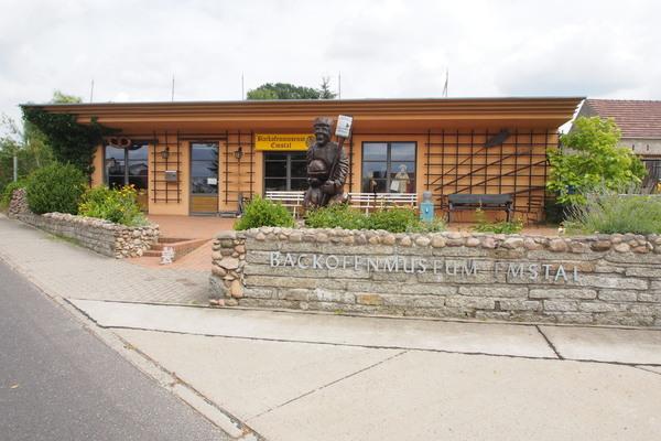 Das Emstaler Backofenmuseum bietet dem Besucher eine Vielzahl von Exponaten zum Backen und zu Lehmbacköfen. Foto: Tobias Wagner