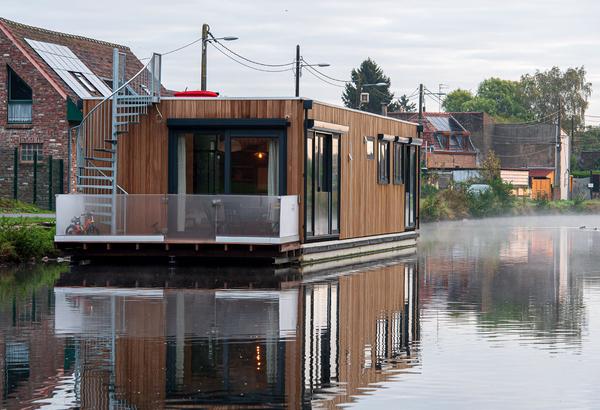 Ils vivent dans une maison flottante - Wonen in een huis op het water
