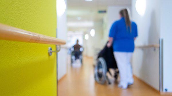 Mini-Rente trotz Vollzeit: Menschen in systemrelevanten Berufen droht Altersarmut