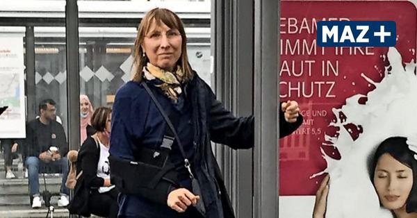Scheibe fehlt an der Haltestelle: Böser Sturz am Potsdamer Busbahnhof