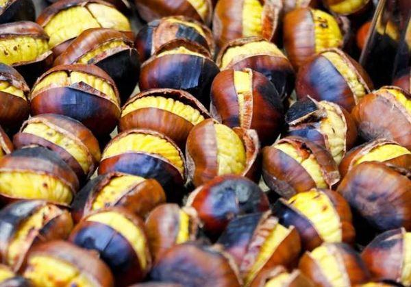 Geröstet, geschmort oder als Naschwerk - Maronen sind sehr schmackhaft. Foto: Imago
