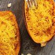 Schon probiert? Der Spaghettikürbis als einfache und leckere Pasta-Alternative