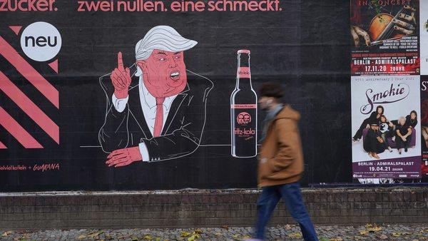 ... der Hamburger Getränkehersteller, der für jeden Hasskommentar einen Euro an Flüchtlingsprojekte und eine Anti-Rechts-Initiative spendet
