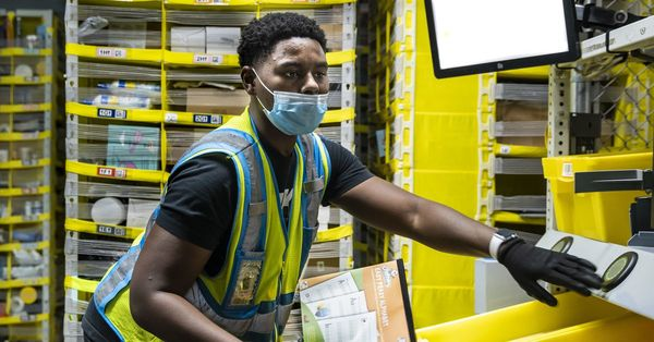 Amazon robots, workers speed stuff to you