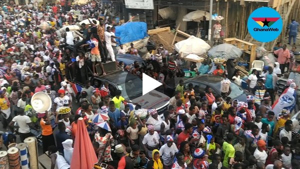 NPP's Nii Lante Bannerman campaigns with mammoth crowd at Odododiodoo