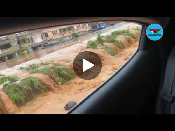 Eyes on the Ground: Massive traffic as cars, road submerged at Kasoa after rains