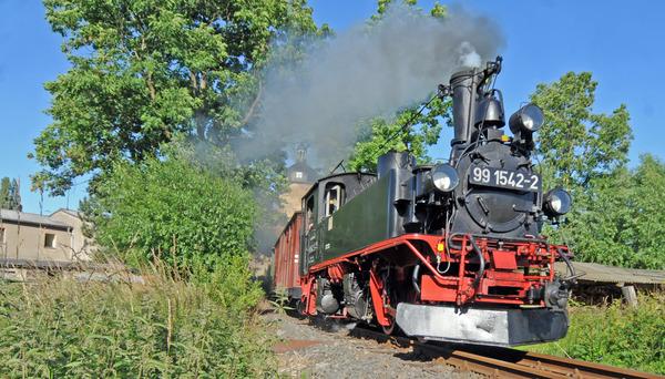 Mit dem Wilden Robert und der Döllnitzbahn ist man zwischen Oschatz und Mügeln auf schmaler Spur unterwegs.  Foto: Sven Bartsch