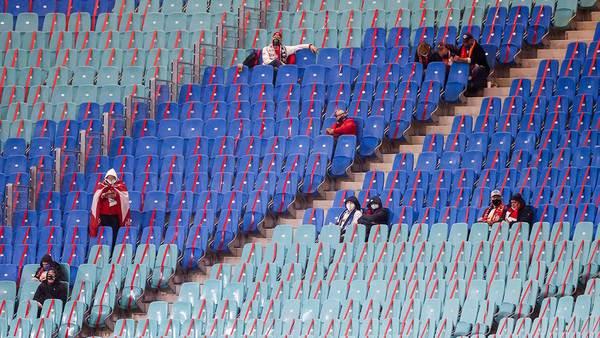 Mit 999 Fans in der Champions League