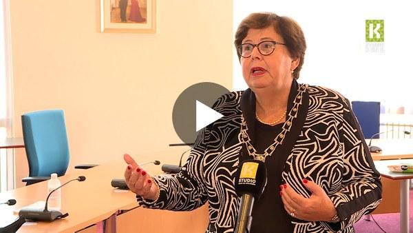 KAAG EN BRAASSEM - Burgemeester Marina van der Velde over discussie coronamaatregelen: 'Laten we het gewoon even doen' (video)