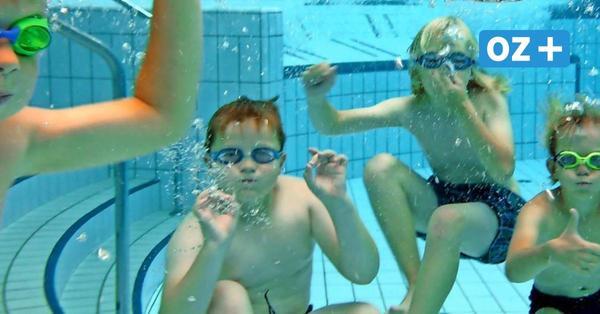 Wegen langer Wartezeiten: Freizeitbad Greifswald stockt Kinderschwimmkurse auf