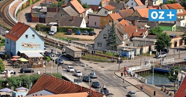 Forderung nach Megastau auf Usedom: Schaltet Ampel in Wolgast aus!