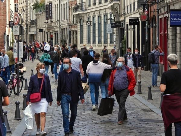La piétonnisation le week-end du centre de Lille prolongée jusqu'à la fin de l'année - UItgebreide voetgangerszone centrum van Rijsel nog tot het einde van het jaar
