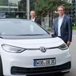 Neuer Dienstwagen: Wolfsburges Oberbürgermeister Klaus Mohrs fährt jetzt VW ID.3