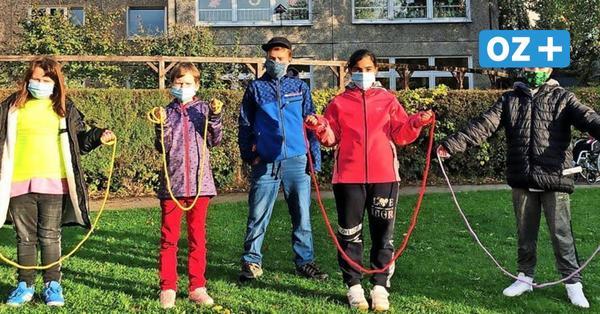 Herzvorsorge in Stralsund: Mit Springseil und Spaß kommen Schüler in Bewegung
