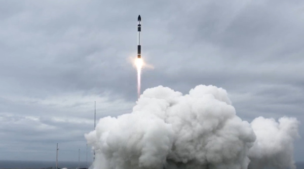 Rocket Lab successfully launches 10 Earth observation satellites in 15th commercial mission