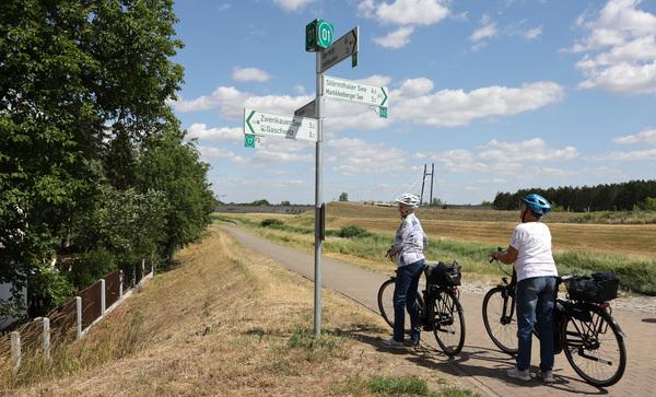 Auf der Neuseenland-Route nahe der Pylonenbrücke in Gaschwitz. Foto: Andre Kempner