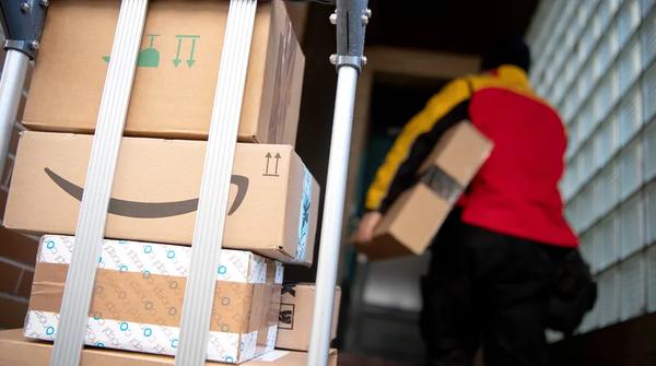 Trotz kontaktloser Zustellung: Pakete dürfen nicht einfach abgestellt werden