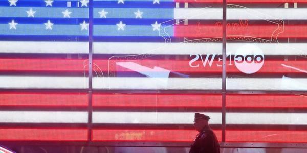 """""""Wir haben die Wahl gewonnen"""" behauptet Donald Trump. Das sagen US-Amerikaner aus Leipzig dazu."""