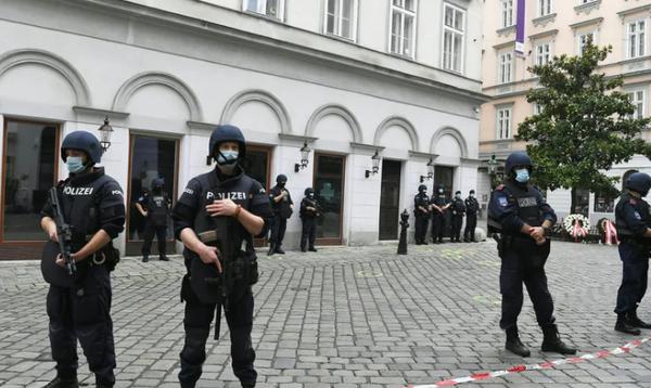 """Terrorismusexperte zum Attentat in Wien: """"Wird in nächsten Monaten überall in Europa gefährlich bleiben"""""""