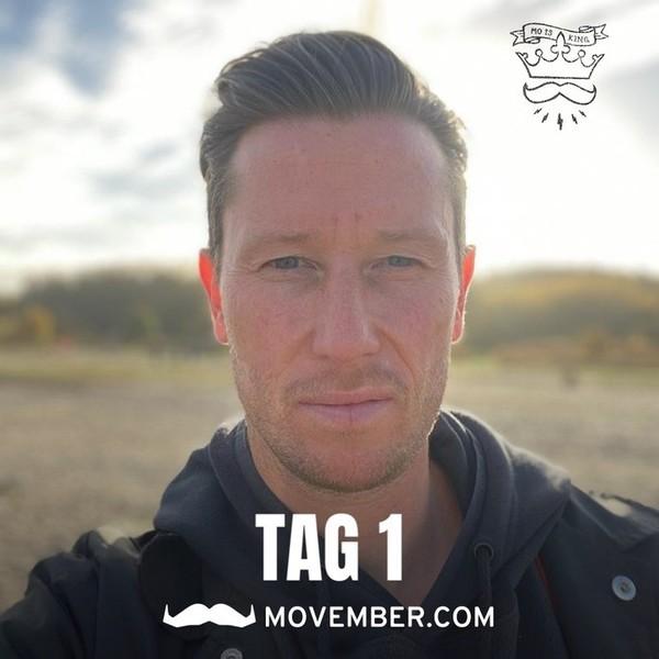 """So """"unbärtig"""" sieht man André Filipovic selten - Holsteins Athletiktrainer sammelt wie in jedem Jahr im """"Movember"""" (von engl. Mustache für Schnurrbart) Spenden  zugunsten der Erforschung und Prävention von Männerkrankheiten, vor allem Prostata- und Hodenkrebs. Und lässt dafür im Laufe des Monats einen """"Schnäuzer"""" wachsen. In diesem Jahr ist auch KSV-Stürmer Janni Serra dabei - wir warten gespannt auf die Bilder."""