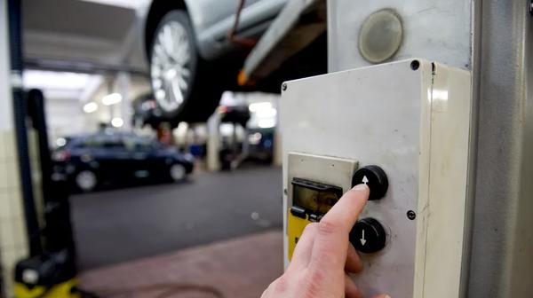 Tüv-Report: Jedes fünfte Auto fällt mit Mängeln durch